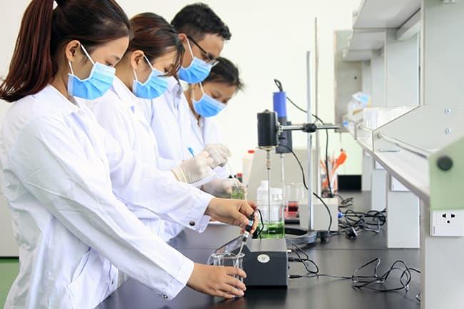 Quá trình nghiên cứu, phát triển công thức thuộc công đoạn gia công mỹ phẩm trọn gói tại Labcos