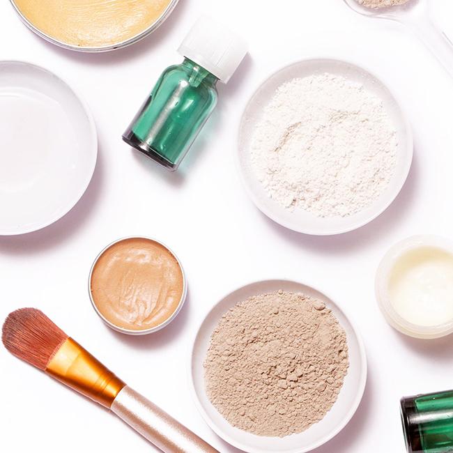 Các chất phụ gia trong nguyên liệu sản xuất mỹ phẩm